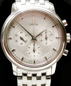 omega_triple_register_stainless_steel_vintage_chronograph_watch