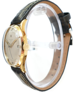 universal-geneve_solid_gold_vintage_dress_watch-side-view